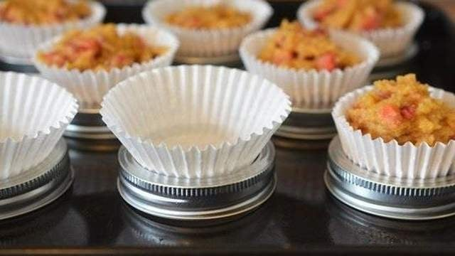 Make Cupcakes or Muffins Without a Muffin Tin
