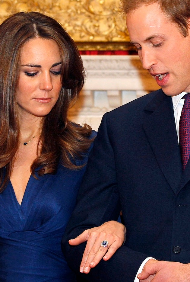 William, Kate & Princess Di's Ring Pose For Engagement Photos