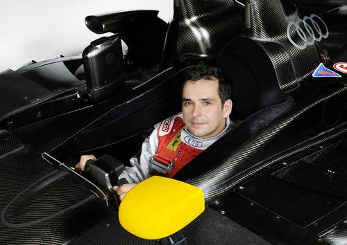 "Drivers Get In Way Of Audi R15 TDI ""Plus"" Teaser"
