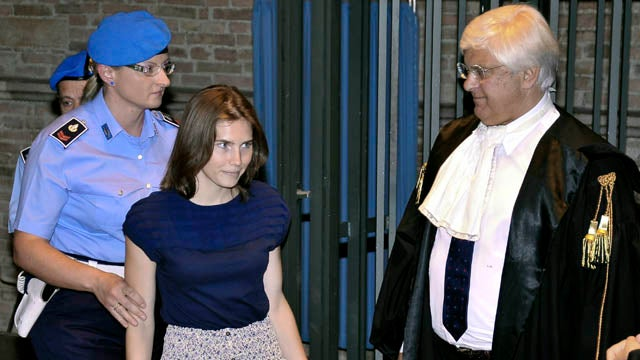 Convicts Testify That Amanda Knox Is Innocent, Can't Agree On Much Else