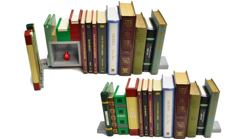 It's Too Bad This Brilliant Lego Bookend Safe Is So Easy To Crack