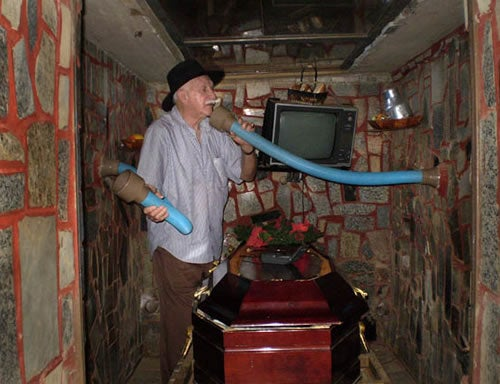 Man Builds a Tomb with TV, Food, Fresh Air Just in Case He's Buried Alive