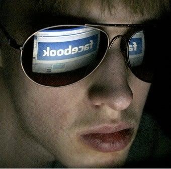 Flaky Facebook Hinders Employee Procrastination