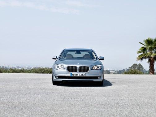 2010 BMW ActiveHybrid 7: 455 HP Green Machine