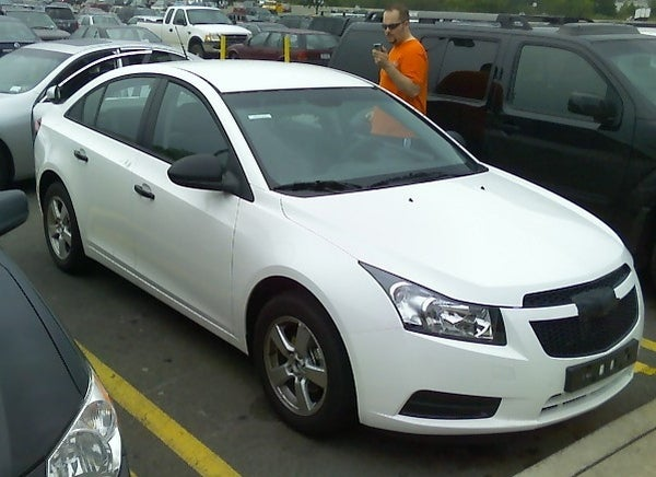 2010 chevy cruze spotted in the wild camo free. Black Bedroom Furniture Sets. Home Design Ideas
