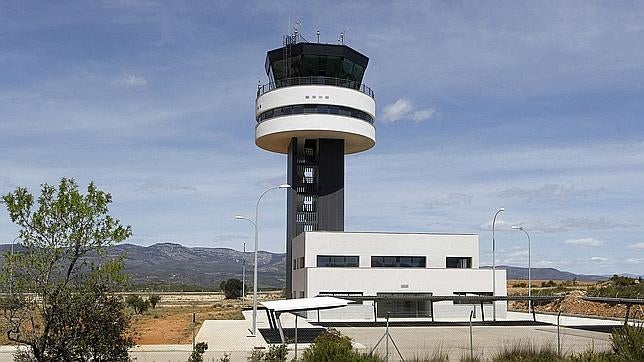 The Tattered, Haunting Remains of Abandoned Airports