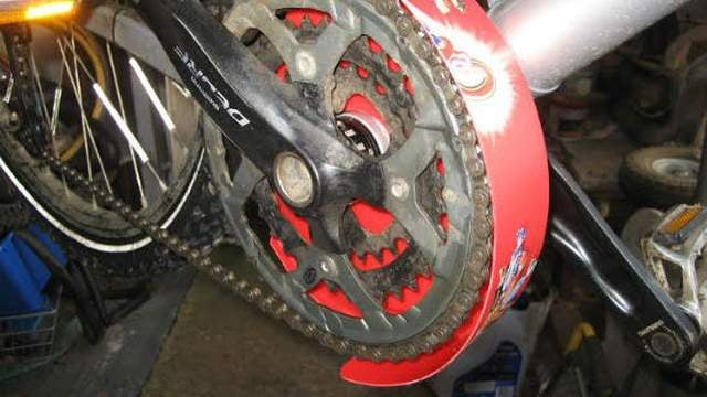 Create a DIY Chainset Mudguard for your Bike