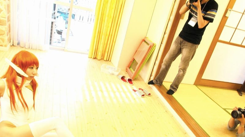 Inside Cosplay Photography Events (And a Fancy Shinjuku Apartment)