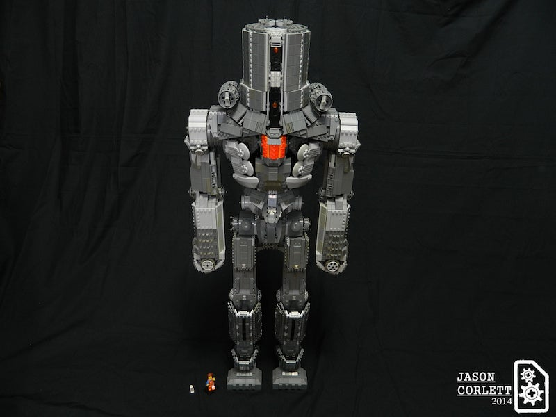 Awesome 3-foot-tall Lego jaeger from Pacific Rim is piloted by minifigs