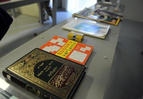 New photos reveal Guantanamo Bay library has Harry Potter, Twilight