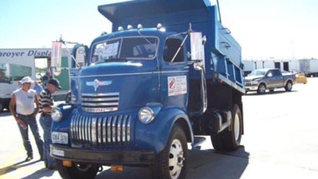 Classic Truck Convoy: Pictures
