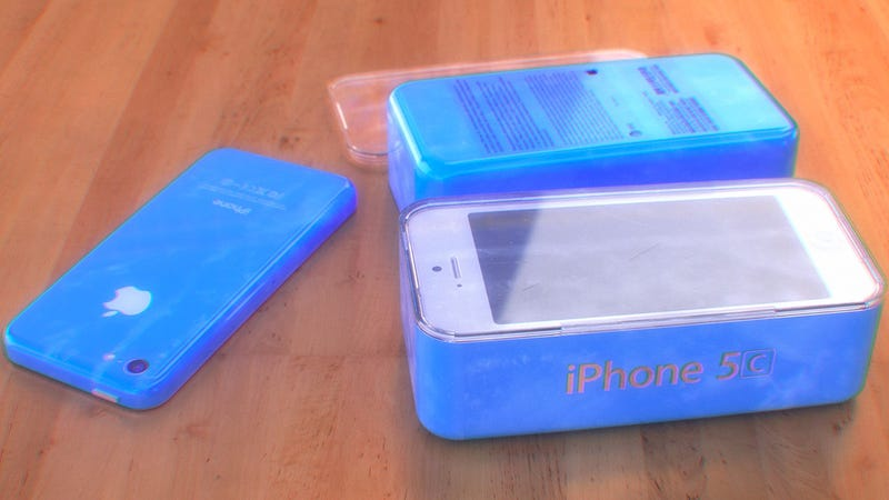 A Colorful Budget iPhone Could Look Awfully Pretty on Shelves