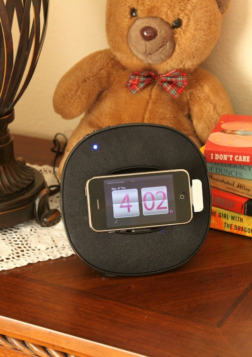 iLuv App Station Dock Review: Currently The Most Useful Item on My Nightstand