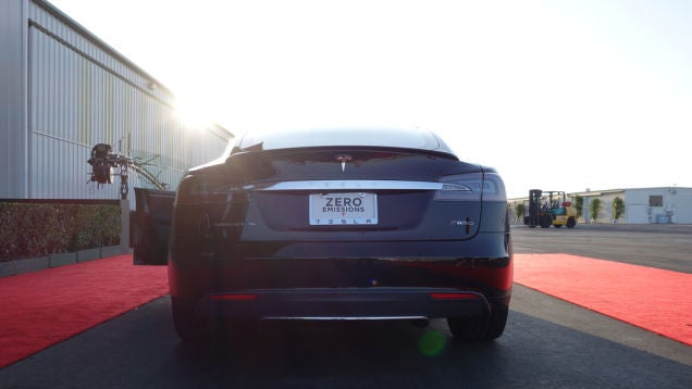 New Tesla Model S P85D Is Faster Than A Ferrari