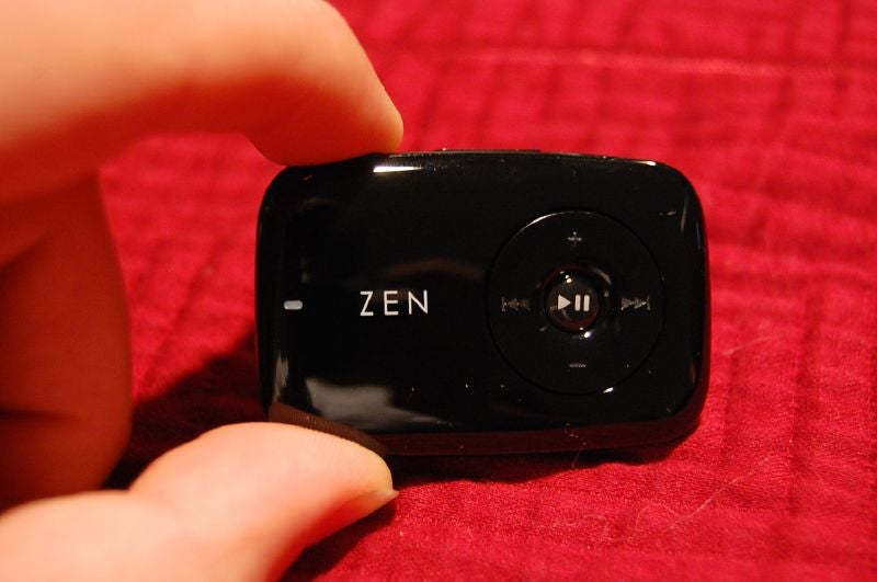 Quick-Read Creative Zen Stone Review and Gallery (Verdict: Worth At Least Half a Shuffle)