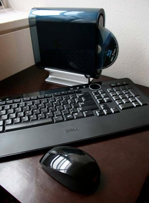 Dell Studio Hybrid Review (Verdict: Cute, Not So Cuddly)