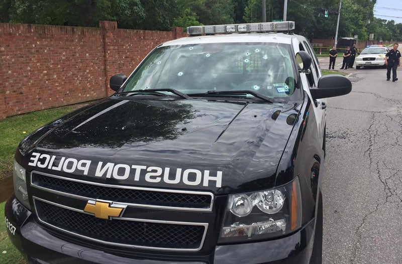 2 Dead, 6 Injured After Gunman Opens Fire on Cars, Police Helicopter in Houston