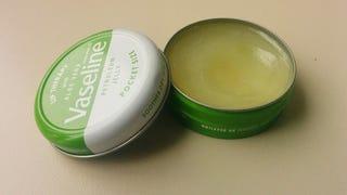 Rehab Review: Vaseline Lip Therapy in Aloe Vera