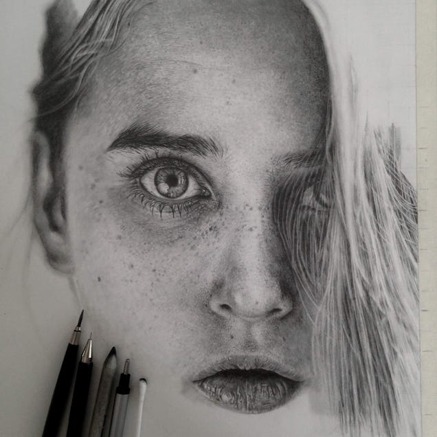 Graphite drawings are indistinguishable from photos