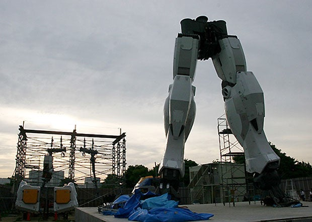 This is What Happened When Muhammad Ali Fought With a Gundam