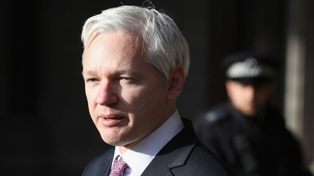 Julian Assange Wants to be The Next Mark Zuckerberg