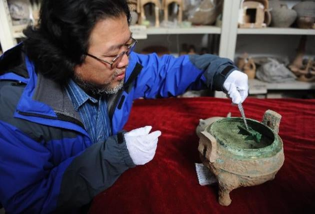Chinese archaeologists soon to taste 2400-year-old soup and wine?