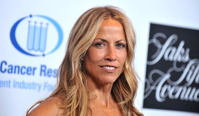 Sheryl Crow Has a 'Theory' That Cell Phone Use Caused Her Brain Tumor