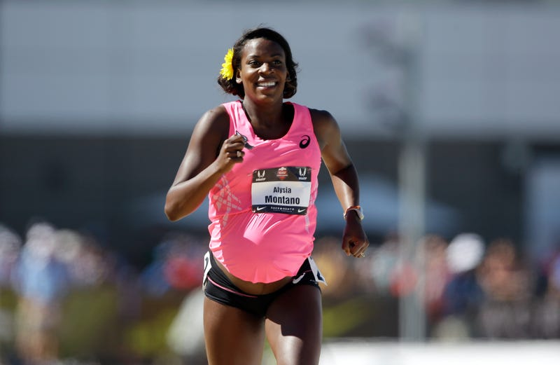 Badass Alysia Montano Runs 800 Meter Race While 34 Weeks Pregnant