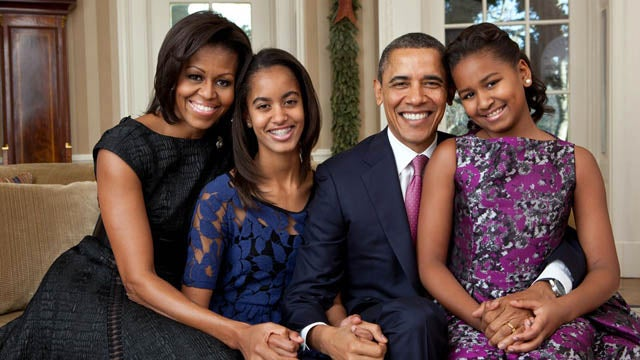 Obamas Present World's Least Awkward Family Photo