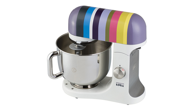 A Retro-Style Standing Mixer for all Your Culinary Capers