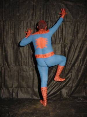 Spiderman Suit To Allow Future Humans To Scale Walls, Wear Silly Suit