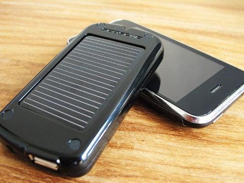 Scosche solBAT II Review: Sweet Sun-Powered USB