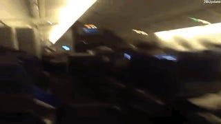 Vérfagyasztó videó egy viharba került utasszállítóból