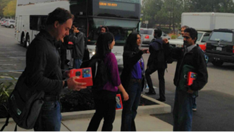Roku Tries To Poach Google Employees Directly Off the Shuttle Bus