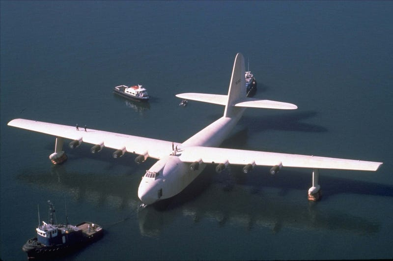 Reverse: The Spruce Goose Takes To The Skies