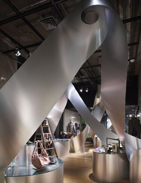 Aluminum Rolls Uncoil For An Artistic Metallic Labyrinth
