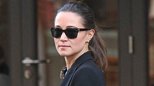 Have You Gotten a Good Look at Angelina's Gorgeous Ring?