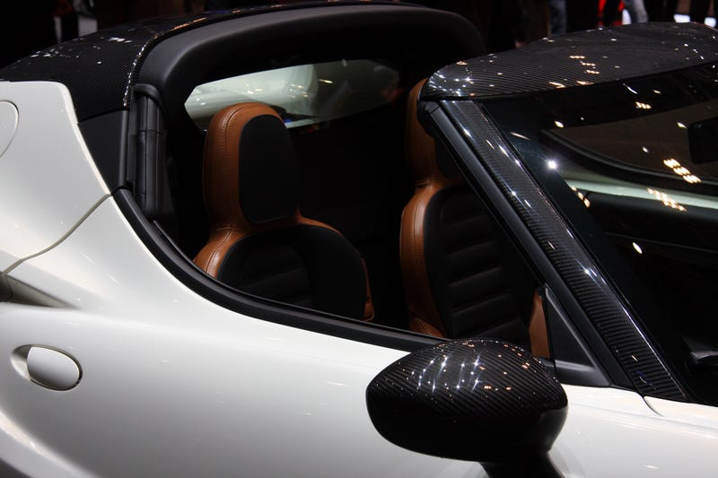The Alfa Romeo 4C Spider Comes With Traditional Headlamps And No Roof
