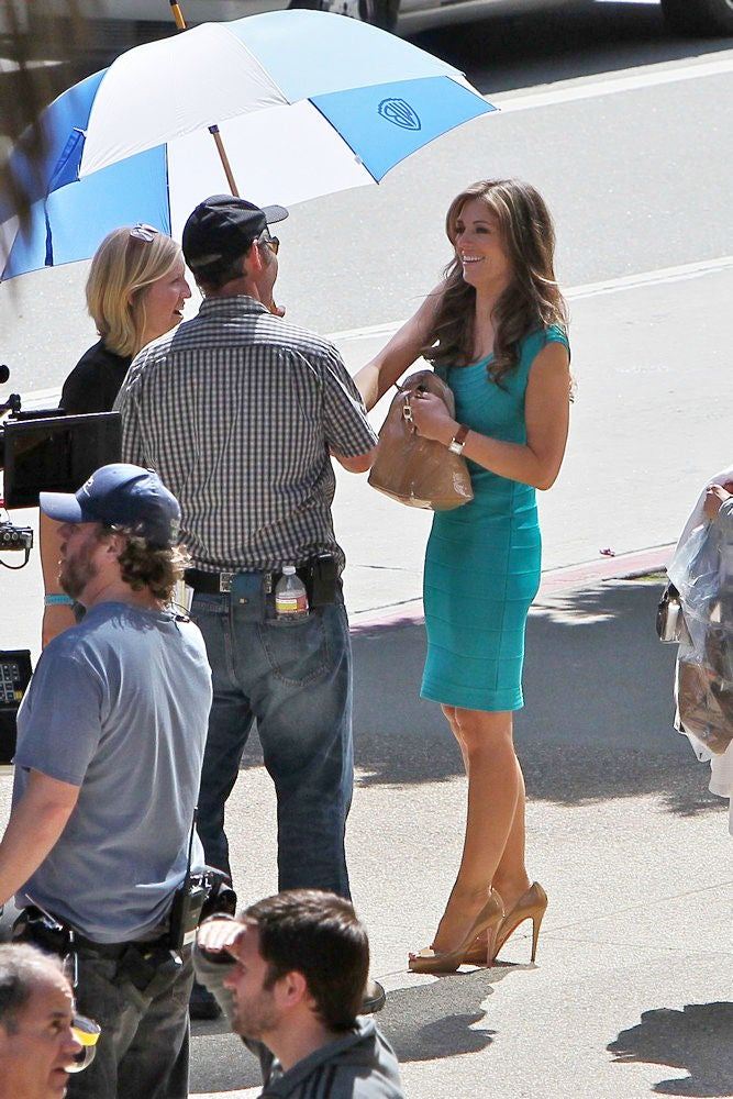 Elizabeth Hurley films her first Wonder Woman scene