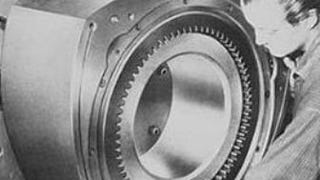 Ingersoll Rand Wankel engine: 41 liters per rotor, 1 and two rotor designs. 1100 hp (two rotor), 1200 rpm.