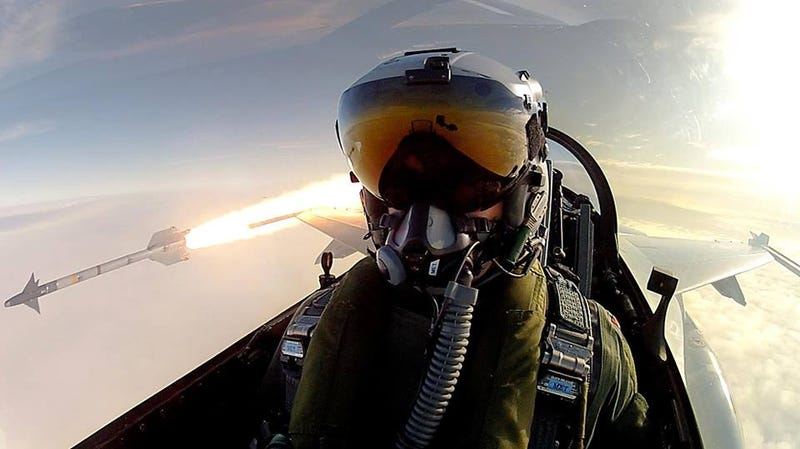 This Danish Fighter Pilot's Selfie Is Better Than Ellen's