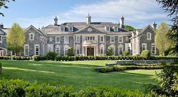 Behemoth New Jersey Mansion Could Be Oprah's New Home