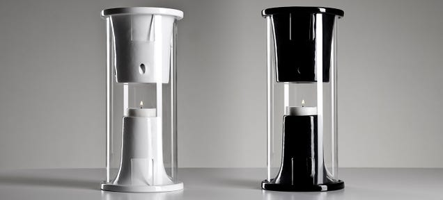 A Candle-Powered Speaker Keeps Playing Even When the Power's Out