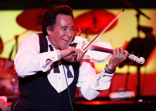 Wayne Newton's Moldy, Discarded Jet Rots At Detroit Airport