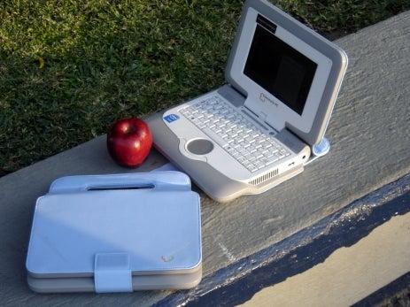 Intel Classmate Reviewed (Verdict: OLPC Killer)