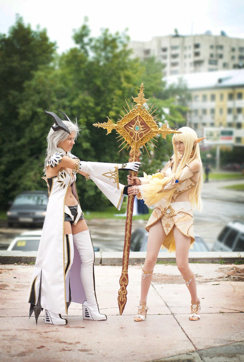 This Cosplay Features Awesome Dudes Alongside Awesome Ladies