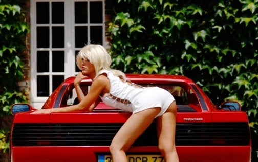 Testarossa Girls Love The Louvres