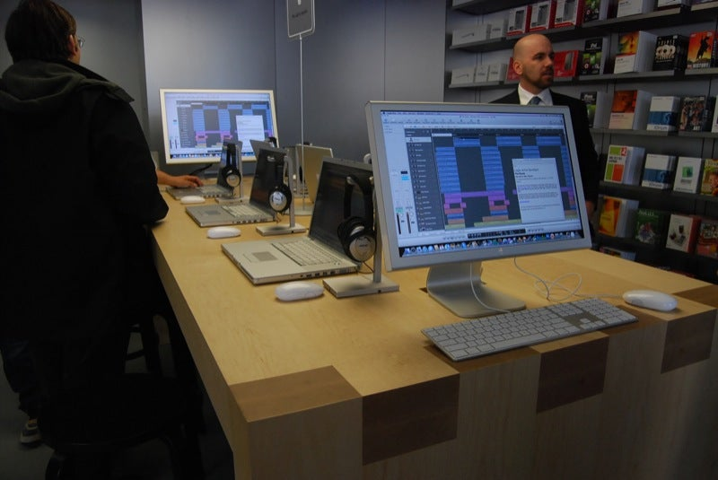 14th St NYC Apple Store Is 2nd Biggest In US, First to Offer Free Pro Classes