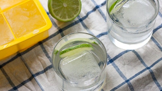 Make Tonic Ice Cubes to Keep Cocktails Flavorful, Tasty, and Chilled