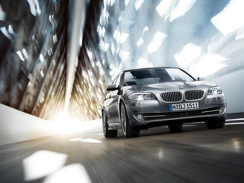 2011 BMW 5 Series Set To Video